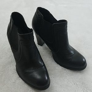B.o.c Black Leather Ankle Booties Size 6/36.5